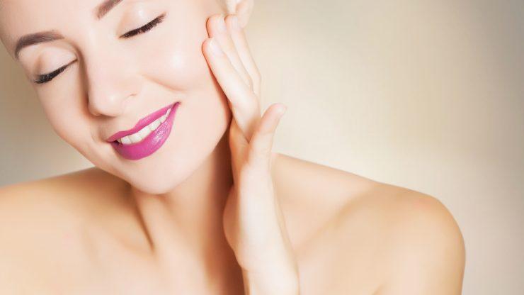 若返りの美容成分として人気の生コラーゲンを注入するエステ施術