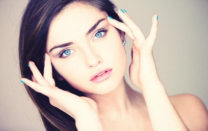 化粧水にも含まれる弾力には欠かせない美容成分のエラスチン