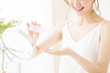 美容成分で化粧水にも配合されるセラミドとは