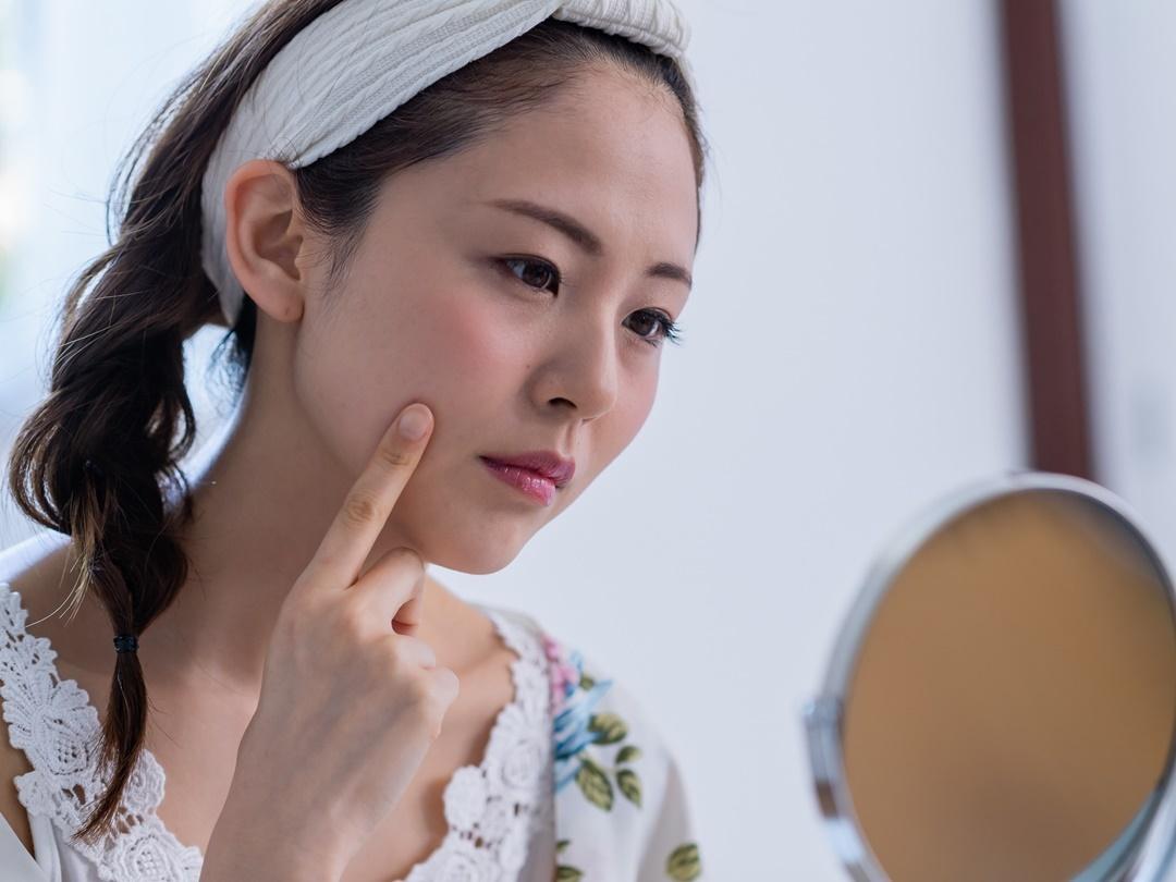 シワに悩む女性に人気の美容成分、アルジレリンを含む副作用が少ない化粧品