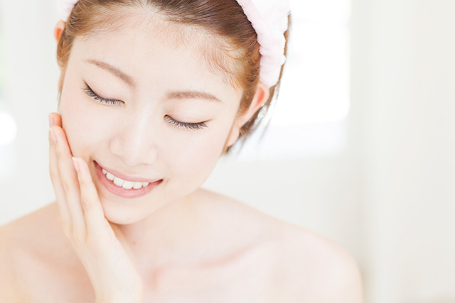 注目の美容成分であるアルギニンは乾燥に効果があるだけではなくくすみの効能評価も高い